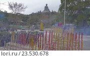 Огромные палочки благовоний в монастыре По Лин и Будда (2016 год). Редакционное видео, видеограф Михаил Коханчиков / Фотобанк Лори