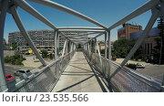 Купить «Пешеходный переход в Тбилиси», видеоролик № 23535566, снято 21 апреля 2016 г. (c) Потийко Сергей / Фотобанк Лори