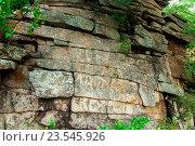 Природная каменная стена (2016 год). Редакционное фото, фотограф Виталий Харин / Фотобанк Лори