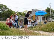 Купить «Женщины-художники на этюдах в Херсонесе. Севастополь, Крым», эксклюзивное фото № 23569770, снято 29 мая 2016 г. (c) Александр Щепин / Фотобанк Лори