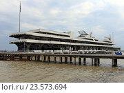 Купить «Морской порт, Сухум, Абхазия», эксклюзивное фото № 23573694, снято 19 июля 2016 г. (c) Алексей Гусев / Фотобанк Лори