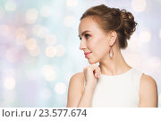 Купить «smiling woman in white dress with pearl jewelry», фото № 23577674, снято 14 апреля 2016 г. (c) Syda Productions / Фотобанк Лори