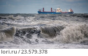 Корабли в штормовом море. Стоковое фото, фотограф Koba Samurkasov / Фотобанк Лори