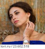 Купить «Портрет красивой девушки», фото № 23602518, снято 31 июля 2016 г. (c) Алексей Назаров / Фотобанк Лори
