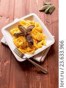Купить «Dish of Ravioli stuffed to artichokes with butter and sage», фото № 23633966, снято 2 сентября 2012 г. (c) easy Fotostock / Фотобанк Лори