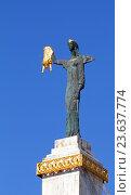 Купить «Статуя Медеи в Батуми (Batumi Medea Statue) крупный планом на фоне неба, Грузия», эксклюзивное фото № 23637774, снято 12 сентября 2016 г. (c) Артём Крылов / Фотобанк Лори