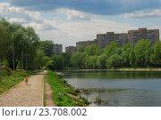Купить «Мазиловский пруд. Район Фили-Давыдково. Москва», эксклюзивное фото № 23708002, снято 19 мая 2009 г. (c) lana1501 / Фотобанк Лори