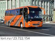 Купить «Заказной автобус на улице Охотный Ряд в Москве», эксклюзивное фото № 23722154, снято 28 августа 2016 г. (c) lana1501 / Фотобанк Лори