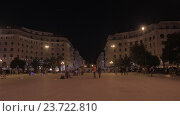 Купить «THESSALONIKI, GREECE - AUGUST,20,2015: People are walking along the pedestrian street in the evening», видеоролик № 23722810, снято 20 августа 2015 г. (c) Данил Руденко / Фотобанк Лори