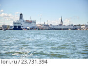 Купить «sea port harbor and old town in tallinn city», фото № 23731394, снято 18 августа 2015 г. (c) Syda Productions / Фотобанк Лори