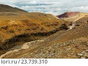 Таяние ледников на склоне вулкана Мутновская сопка (2016 год). Редакционное фото, фотограф Юлия Машкова / Фотобанк Лори