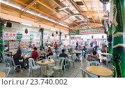 Купить «Chinatown Food Court, Kuala Lumpur», фото № 23740002, снято 13 сентября 2016 г. (c) Александр Подшивалов / Фотобанк Лори
