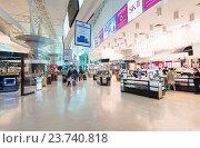 Купить «Duty free stores in Kuala Lumpur International Airport KLIA 2», фото № 23740818, снято 17 сентября 2016 г. (c) Александр Подшивалов / Фотобанк Лори