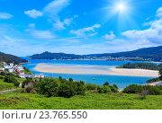 Купить «Sunshiny Porto Do Barqueiro, Galicia, Spain.», фото № 23765550, снято 12 мая 2016 г. (c) Юрий Брыкайло / Фотобанк Лори