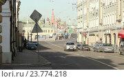 Большая Ордынка и вид на храм Василия Блаженного (2016 год). Редакционное видео, видеограф Nadya S. / Фотобанк Лори