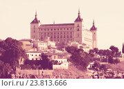 Купить «View of Alcazar of Toledo in sunny time», фото № 23813666, снято 23 августа 2013 г. (c) Яков Филимонов / Фотобанк Лори