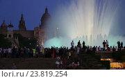 Купить «Evening view at colorful vocal fountain», видеоролик № 23819254, снято 24 июля 2016 г. (c) Яков Филимонов / Фотобанк Лори