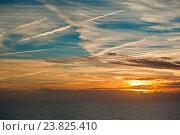 Вид на закате на Атлантический океан с Мыса Рока (Cabo da Roca) - самой западной точки Евразийского континента, Португалия (2016 год). Стоковое фото, фотограф E. O. / Фотобанк Лори