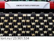 Купить «ROSTSELMASH», эксклюзивное фото № 23901534, снято 25 июня 2016 г. (c) Анатолий Матвейчук / Фотобанк Лори