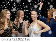 Купить «happy young women dancing at night club disco», фото № 23922126, снято 21 ноября 2015 г. (c) Syda Productions / Фотобанк Лори