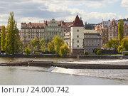 Купить «Набережная Влтавы в Праге, Чехия», фото № 24000742, снято 16 апреля 2014 г. (c) Хименков Николай / Фотобанк Лори