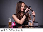 Beautiful woman applying make-up in fashion concept. Стоковое фото, фотограф Elnur / Фотобанк Лори