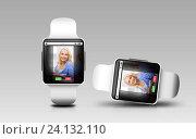 Купить «smart watches with incoming call on screen», фото № 24132110, снято 17 июля 2019 г. (c) Syda Productions / Фотобанк Лори
