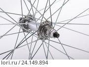 Крупным планом колесо велосипеда. Стоковое фото, фотограф Владимир Семенчук / Фотобанк Лори