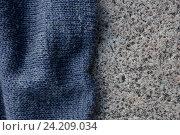 Ткань и камень. Стоковое фото, фотограф TimoSamo / Фотобанк Лори