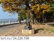 Купить «Скульптура-памятник «Кот ученый» (Геленджик)», фото № 24226198, снято 9 ноября 2016 г. (c) Игорь Архипов / Фотобанк Лори