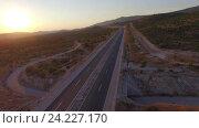 Купить «Вид с воздуха на автомагистраль Сплит-Загреб», видеоролик № 24227170, снято 13 августа 2016 г. (c) Иван Кузнецов / Фотобанк Лори