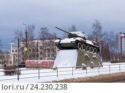 Купить «Памятник танку Т-34 в Петрозаводске», фото № 24230238, снято 17 ноября 2016 г. (c) Sergei Gorin / Фотобанк Лори