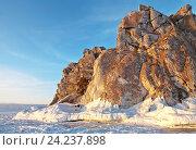 Купить «Байкал зимой. Скала Шаманка в зактном свете», фото № 24237898, снято 5 марта 2011 г. (c) Виктория Катьянова / Фотобанк Лори