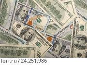 Доллары США нового и старого образца. Фон из стодолларовых банкнот. Стоковое фото, фотограф Rashpil / Фотобанк Лори