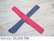 Полосы цветной ткани. Стоковое фото, фотограф Ольга Еремина / Фотобанк Лори