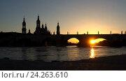 Купить «Video night city Zaragoza», видеоролик № 24263610, снято 18 ноября 2016 г. (c) Raev Denis / Фотобанк Лори