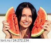 Купить «Beautiful girl with water-melon», фото № 24272234, снято 22 августа 2013 г. (c) easy Fotostock / Фотобанк Лори