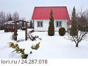 Дом на дачном участке зимой. Стоковое фото, фотограф Victoria Demidova / Фотобанк Лори