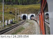 Купить «Байкальский железнодорожный туннель», фото № 24289054, снято 7 сентября 2016 г. (c) Михаил Трибой / Фотобанк Лори