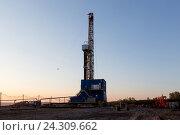 Купить «Нефтяная вышка. Республика Татарстан», фото № 24309662, снято 6 мая 2016 г. (c) Зайцев Алексей / Фотобанк Лори
