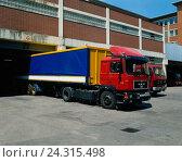 Купить «LKW's on the parking lot / central warehouse», фото № 24315498, снято 29 августа 1989 г. (c) mauritius images / Фотобанк Лори