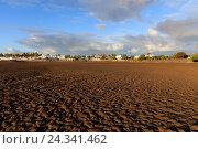 Купить «Spain, Canary Islands, Lanzarote, Puert del Carmen, beach, sky, sand, town», фото № 24341462, снято 24 июня 2018 г. (c) mauritius images / Фотобанк Лори