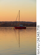 Купить «Germany, Bavaria, Ammersee, boat, sailboat, evening, sunset, reflection, lake, water, sky, sailing», фото № 24343718, снято 19 июля 2018 г. (c) mauritius images / Фотобанк Лори