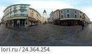 Купить «Туристы гуляют в Старом городе в дневное время, Братислава, Словакия», фото № 24364254, снято 26 ноября 2016 г. (c) Антон Гвоздиков / Фотобанк Лори