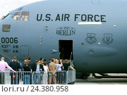 Купить «The Internationale Luft- und Raumfahrtausstellung ILA Berlin air show 2010. U.S.Force Boeing C-17A Globemaster III, The Spirit of Berlin. The US Air Force 0006 Schönefeld, Brandenburg, Germany», фото № 24380958, снято 20 марта 2018 г. (c) mauritius images / Фотобанк Лори