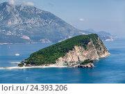 Купить «Остров Святого Николая (Sveti Nikola) около города Будва в Адриатическом море. Черногория», фото № 24393206, снято 31 мая 2016 г. (c) Кекяляйнен Андрей / Фотобанк Лори
