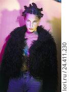 Купить «Teenager, girls, hairstyle, half portrait, inside, young persons, hair, pinned up, fashionably, fashion, plush jacket, jeans, studio», фото № 24411230, снято 28 сентября 2001 г. (c) mauritius images / Фотобанк Лори