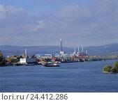 Купить «D' Mainz, the Rhine, container port, harbour, container, Verlanden, loading engine, industry, freighters, inland ship journey,», фото № 24412286, снято 20 апреля 2000 г. (c) mauritius images / Фотобанк Лори