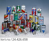 Купить «Drinks cans, soft drinks, ice cubes, studio, drink, drinks, soft drink, Energydrink, refreshment, cooled, chilly, alcohol-free, alcoholic, alcohol, aluminium tins, tin, envelope, valuable material», фото № 24426658, снято 20 июля 2018 г. (c) mauritius images / Фотобанк Лори