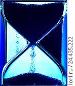 Купить «Hourglass, detail, product photography, clock, time, measure, transitoriness, duration, period, run, Sand, trickle away transient, balance, time measuring...», фото № 24435222, снято 11 октября 2005 г. (c) mauritius images / Фотобанк Лори